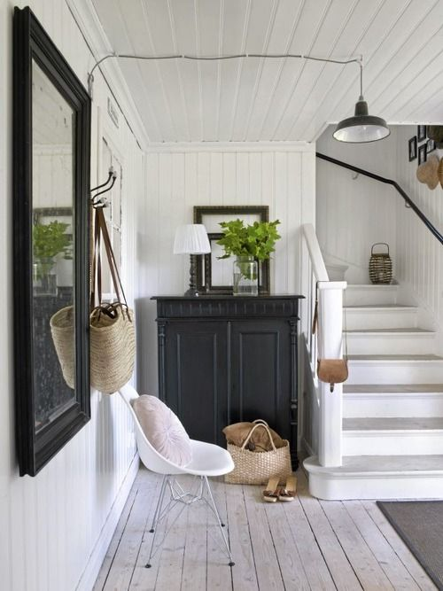 scandinavian-white-stairs