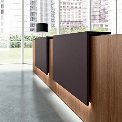 Elcor detail desk